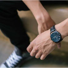 Load image into Gallery viewer, Classic Black Edition Men's Watch With Genuine Black Leather and Dial