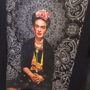Frida Kahlo - Black Paisley T-shirt