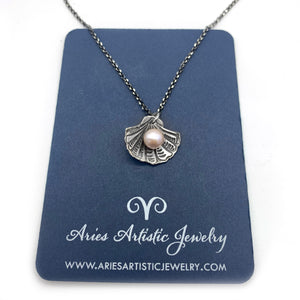 Beach Clam Shell Necklace with Pearl Accent