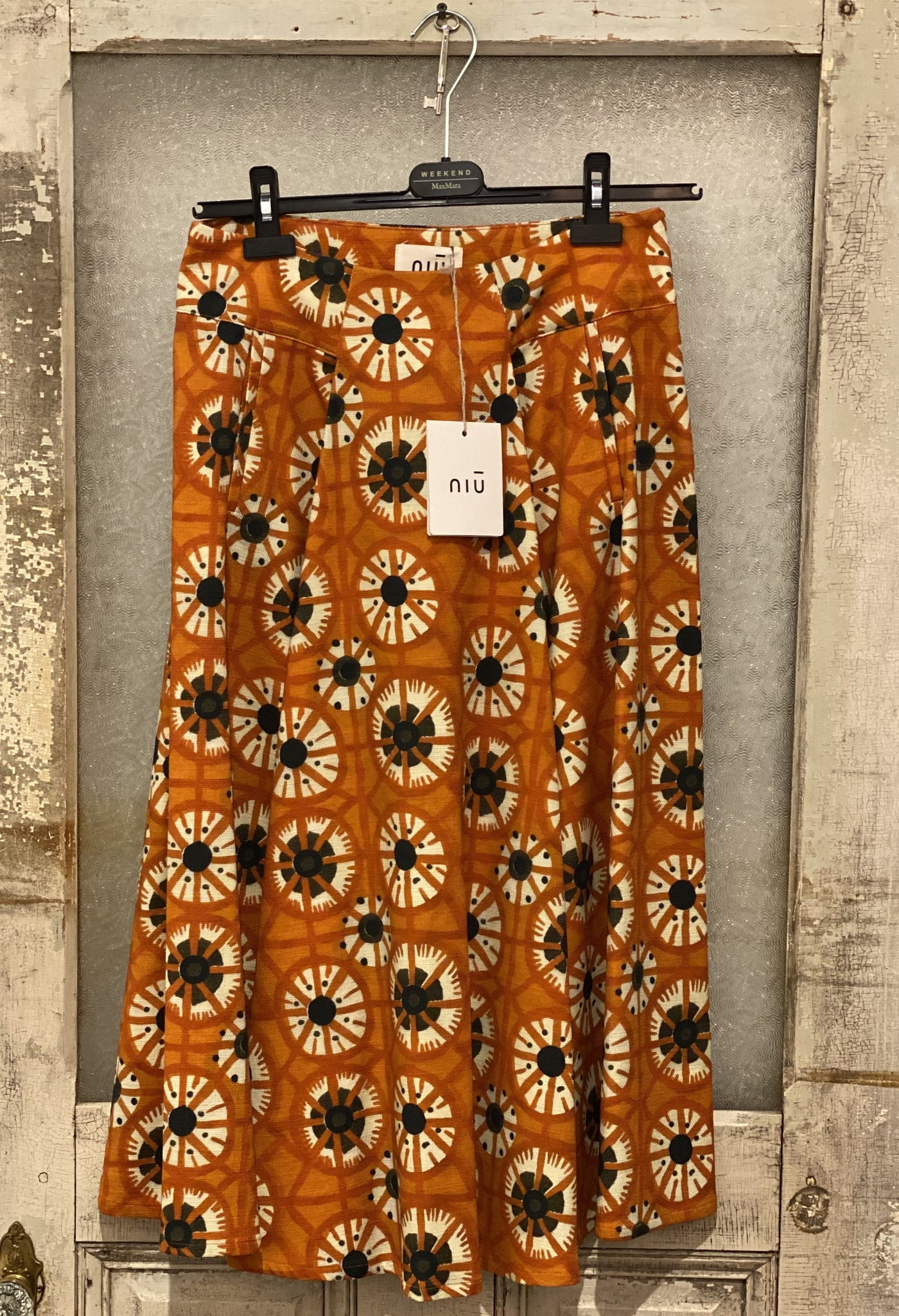Niu High-Waist Flowered Skirt