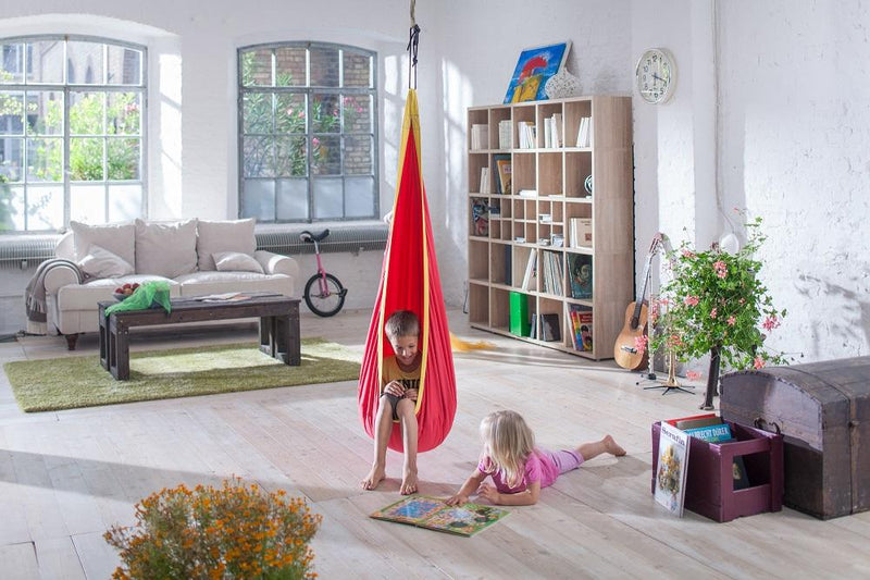 Indoor children's hanging chair