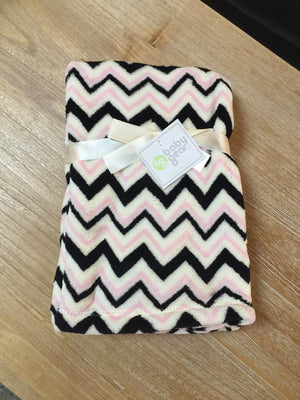 "Chevron print blanket by Baby Gear  30""x40"" - Personalized Monogrammed"