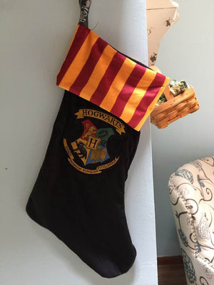 Harry Potter Hogwarts Crest Velvet 18