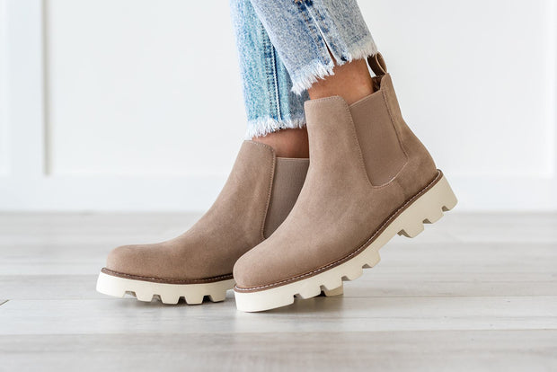 Jesse Chelsea Boot Taupe