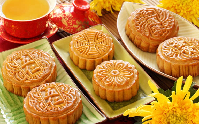 Crabs, Mooncakes and some Special Antiques