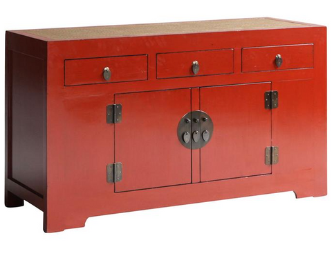 Red lacquer cabinet