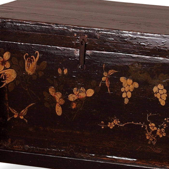 Chinese Black Blanket Trunk