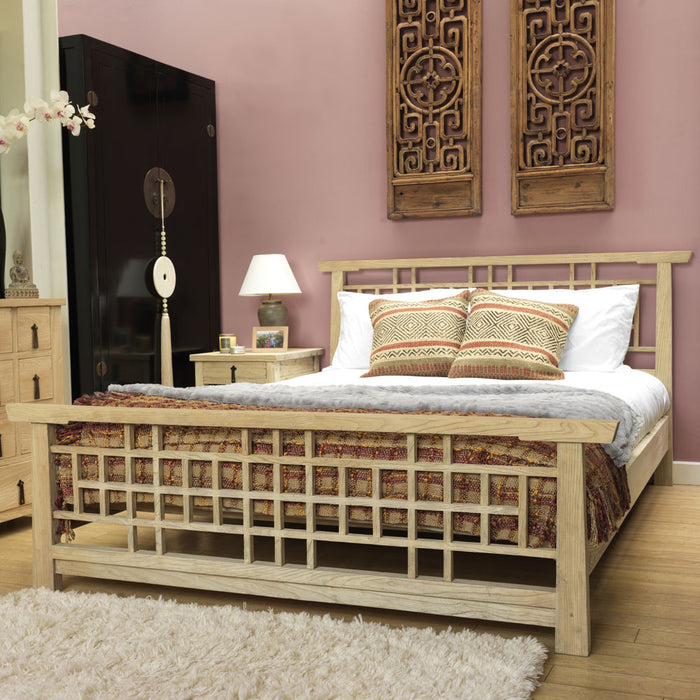 Reclaimed Elm Country Lattice Bed