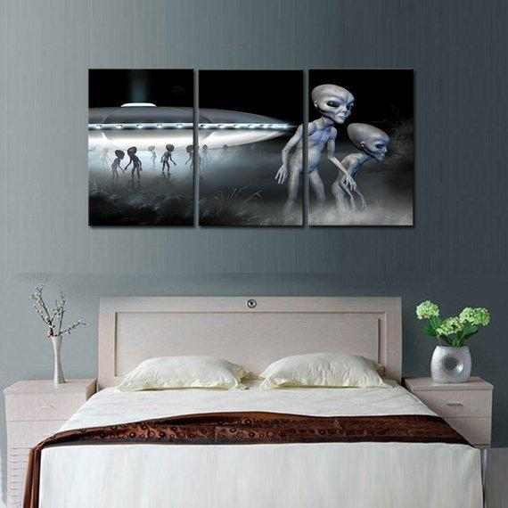 New Day Stock Store Canvas Paintings Medium / 3 Pieces / No Frame Alien Space Ship Multi Piece Canvas Set