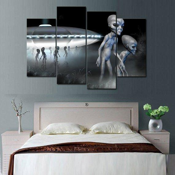 New Day Stock Store Canvas Paintings Small / 4 Pieces / No Frame Alien Space Ship Multi Piece Canvas Set