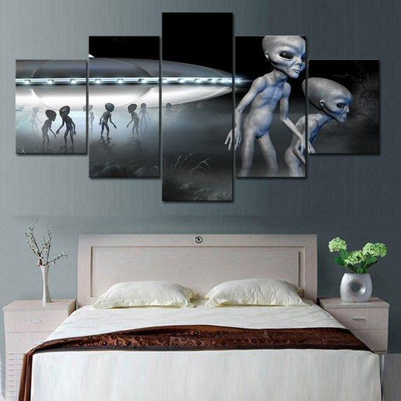 New Day Stock Store Canvas Paintings Small / 5 Pieces / No Frame Alien Space Ship Multi Piece Canvas Set