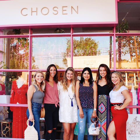 Local Charlotte fashion bloggers at local boutique