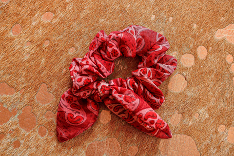 Sunburnt Scrunchie | Chosen Women's Apparel