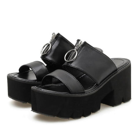 Ghastly O-Ring Sandals