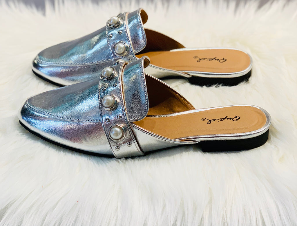 Pearl Detailed Mule