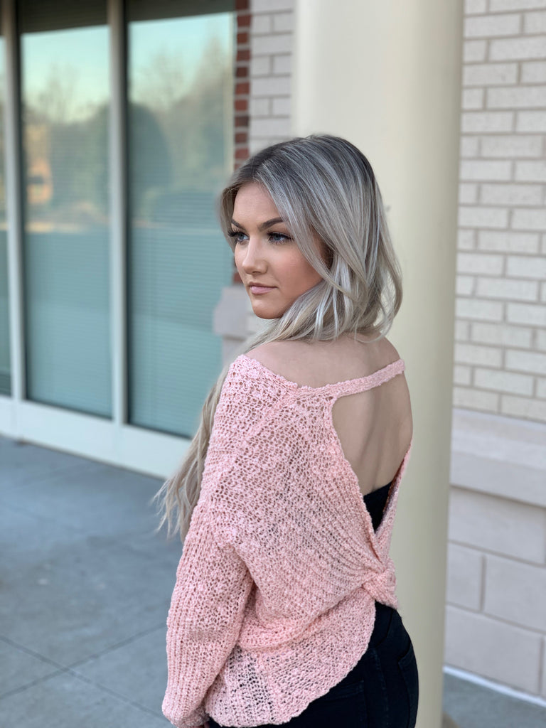 Twisted knot Pullover