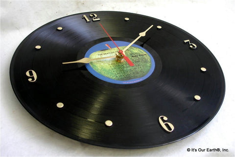 "Clock made w/a BEATLES Record ""1967-1970 a.k.a. The Blue Album"" (1973)"