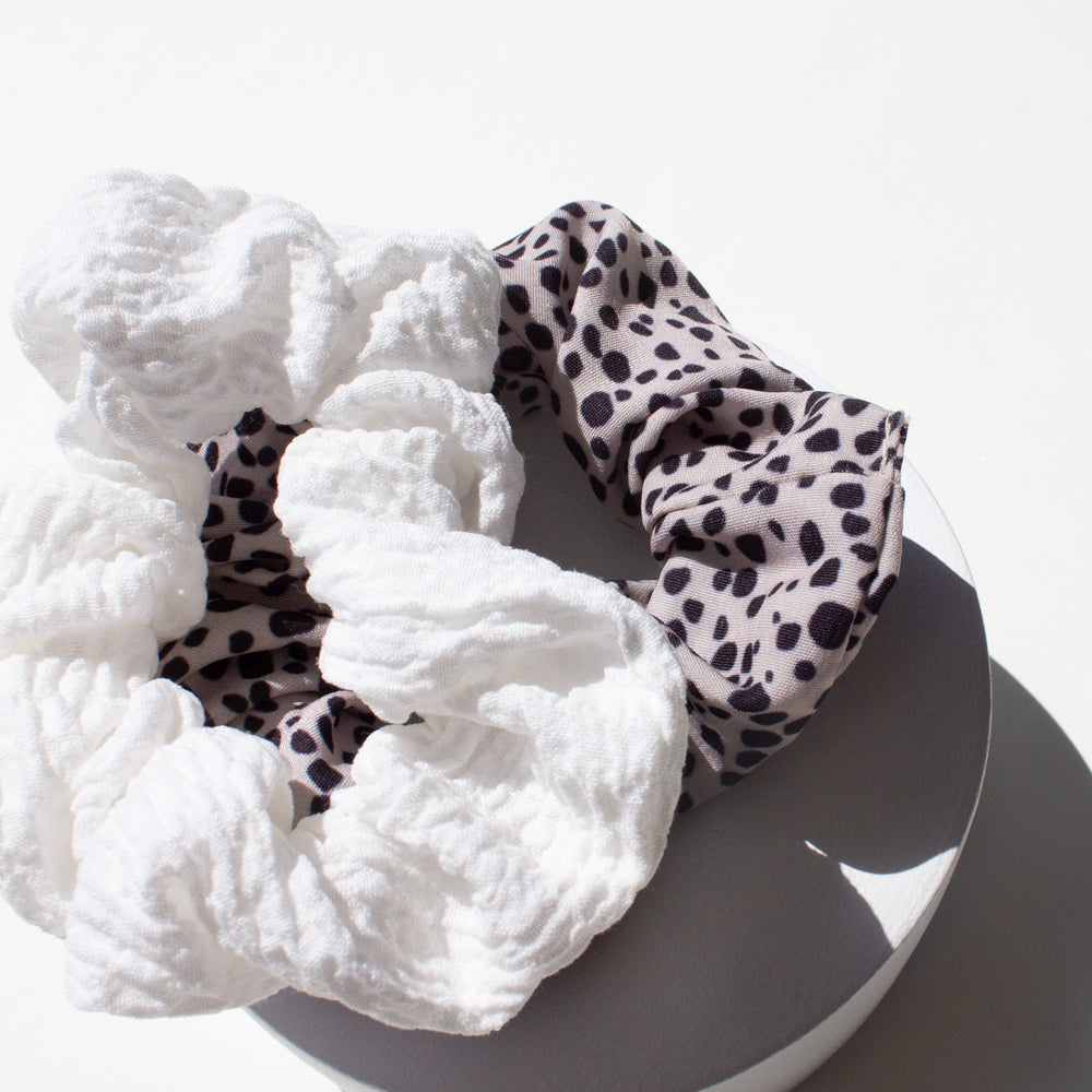 Elastics Scrunchies White and Leopard (2)