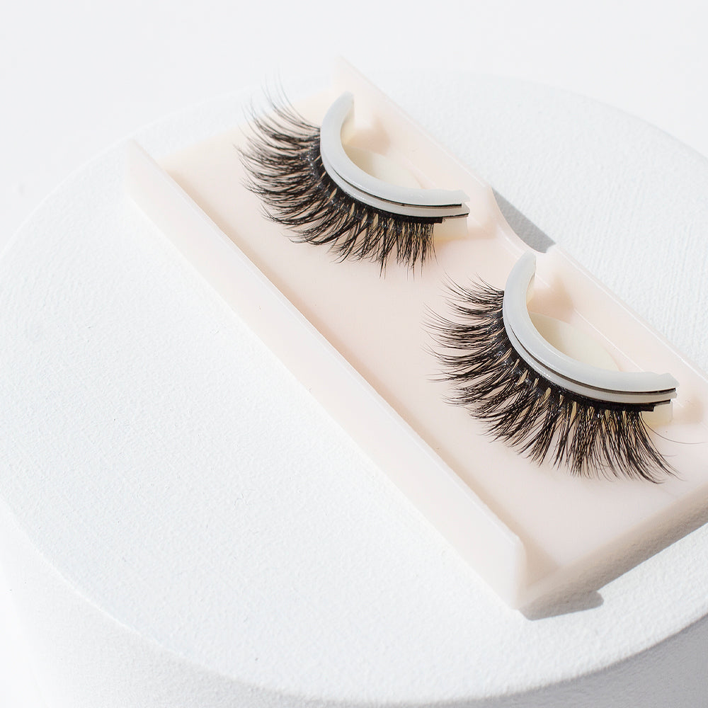 Pre-Glued False Lashes