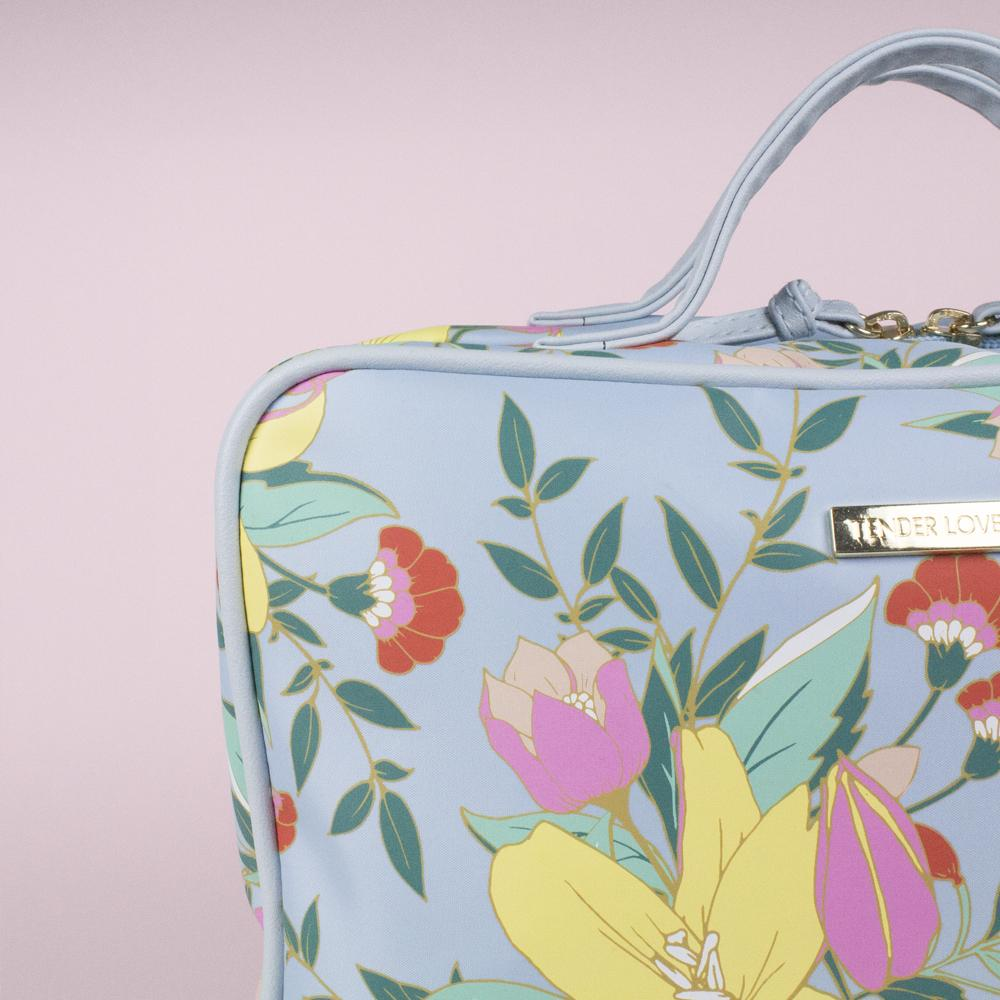 Jasmine - Hanging Washbag