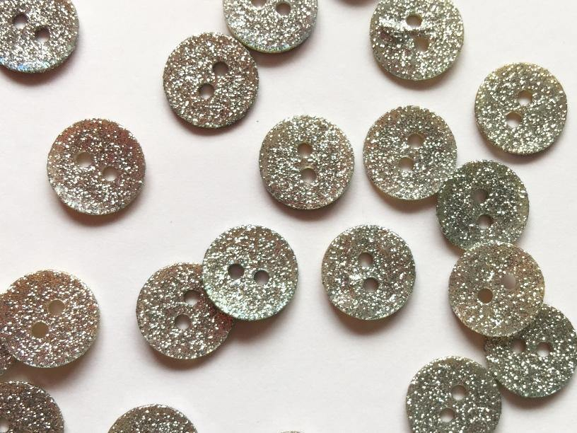 10mm - Silver Glitter River Shell TextileGarden Buttons & Fasteners
