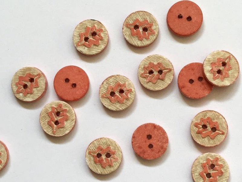 "Coral Pink Oak Leaf Coconut Shell 12mm (½"") Buttons"
