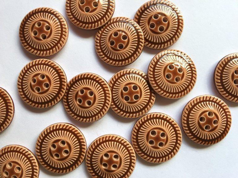 "Glossy Ginger Buttons 18mm (¾"") Buttons"