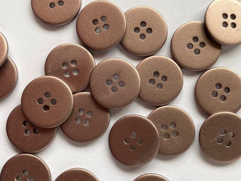 18mm - Matt Metallic Greyish Pink Shell TextileGarden Buttons & Fasteners