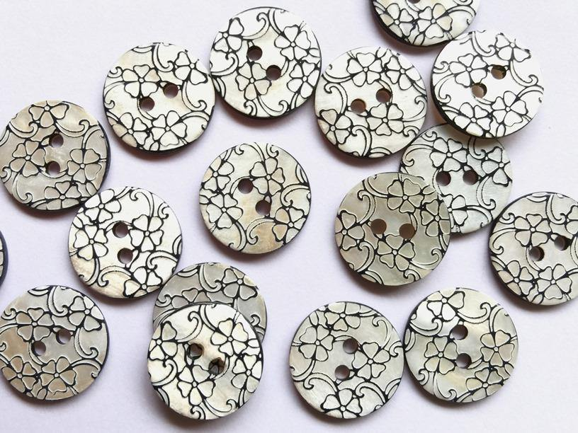 "White Shell with Black Floral Design 18mm (¾"") Buttons"