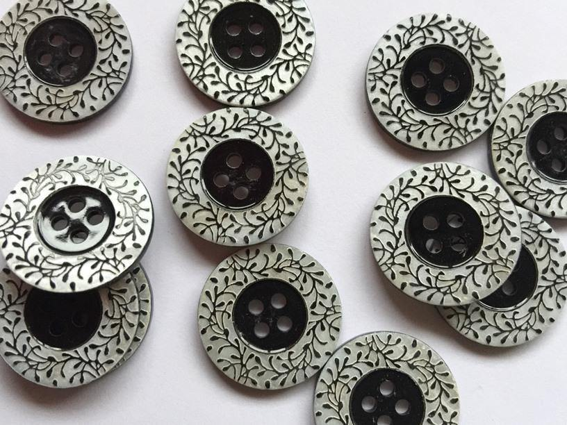 22mm - Natural with black leaf pattern TextileGarden Buttons & Fasteners