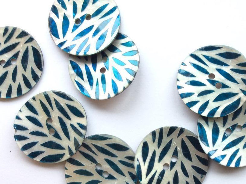 "Teal Leaf Pattern T27mm (1 1/6"") Shell Buttons"