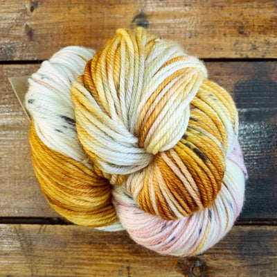 Alegria Grande Manos del Uruguay Yarn Peach and Chia