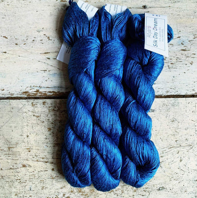 Artyarns Inspiration Club Nov 2020: Tidepools Artyarns Yarn Deep Blue Silk Day Dream