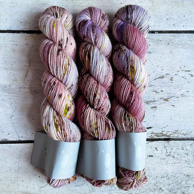 High Twist BFL Minis Qing Fibre Yarn Amour
