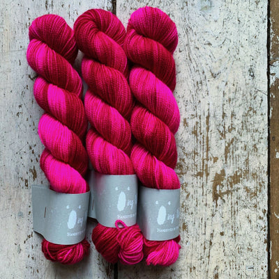 High Twist BFL Minis Qing Fibre Yarn Kiki