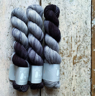 High Twist BFL Minis Qing Fibre Yarn Lunar