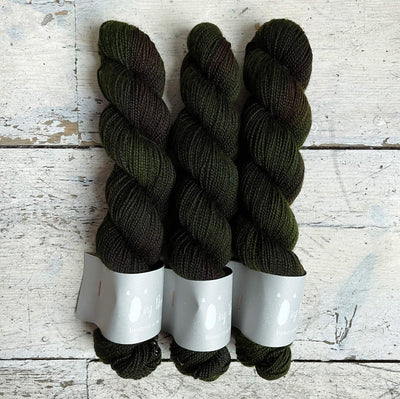 High Twist BFL Minis Qing Fibre Yarn Moss