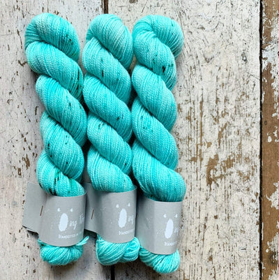 High Twist BFL Minis Qing Fibre Yarn Nassau