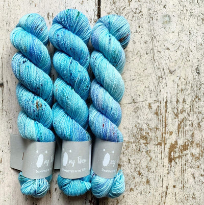 High Twist BFL Minis Qing Fibre Yarn Sky Blue