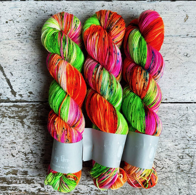 High Twist BFL Qing Fibre Yarn Bronx