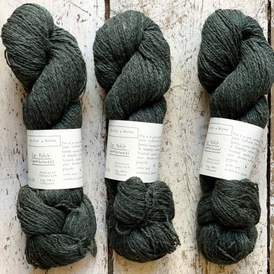 Le Petit Lambswool Biches & Bûches Yarn Le Petit Dark Blue Green