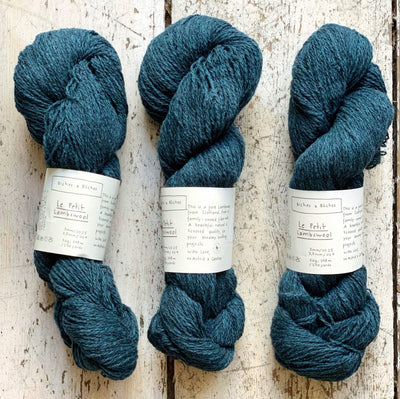 Le Petit Lambswool Biches & Bûches Yarn Le Petit Dark Blue Turquoise