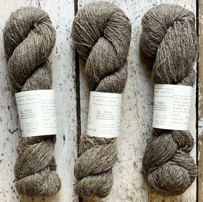 Le Petit Lambswool Biches & Bûches Yarn Le Petit Grey Brown