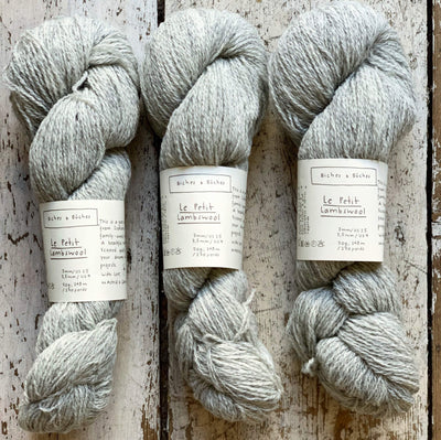 Le Petit Lambswool Biches & Bûches Yarn Le Petit Light Grey