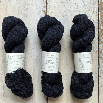 Le Petit Lambswool Biches & Bûches Yarn Le Petit Very Dark Grey