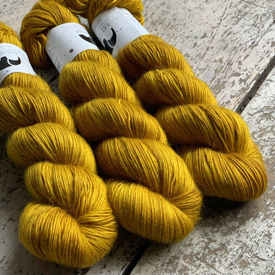 Luxurious Singles Black Elephant Yarn Golden Coast Lux