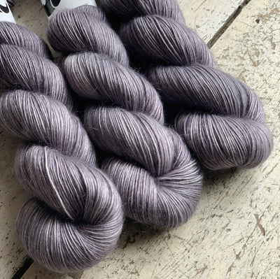 Luxurious Singles Black Elephant Yarn Nimbus Lux