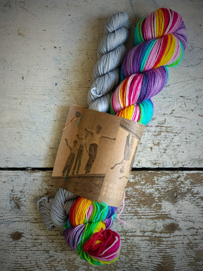 Self-Striping Sock Yarn with Contrast Set Fab Funky Fibres Yarn Petit Light Grey