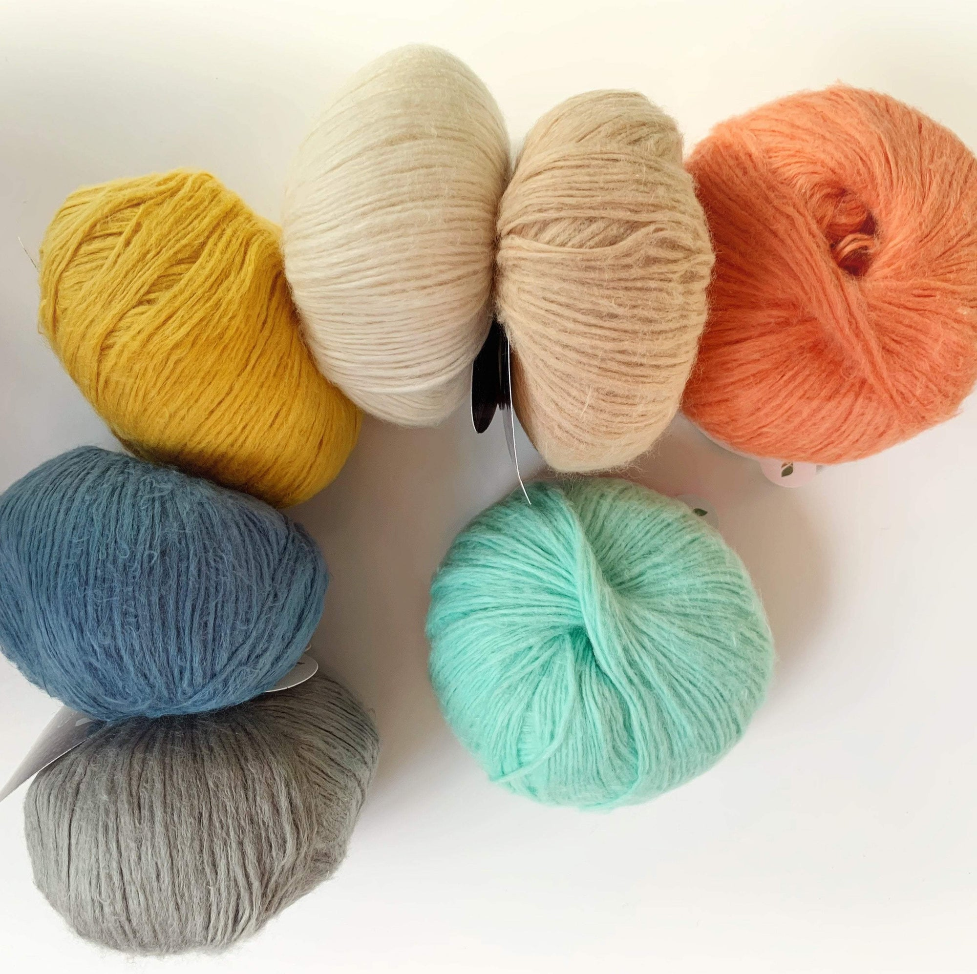 Suave Pascuali Yarn Clotted Cream 50