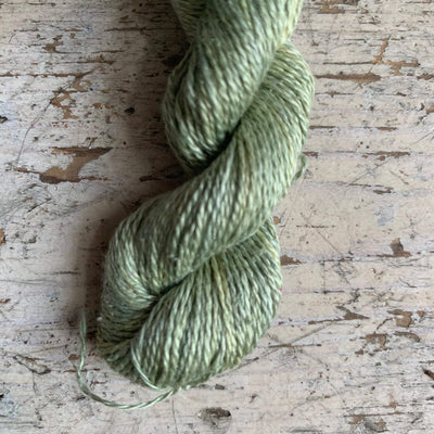 Trava Pure Silk Micro Skeins / Embroidery Threads Trava & Wool Yarn 25 Lt Green